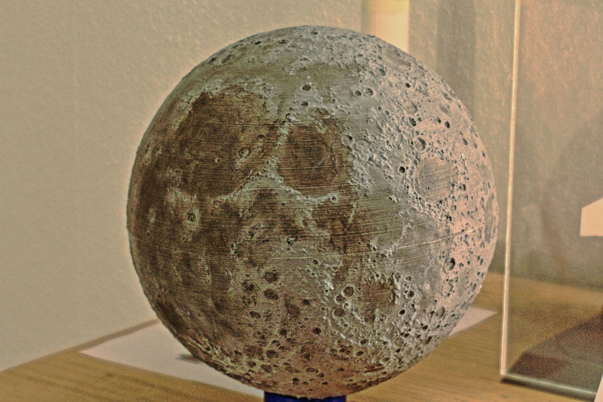 Ausgebucht! - Eine Reise rund um den Mond (speziell für Kids zwischen 8 und 12) @ Observatorium Ludwigshöhe